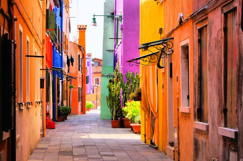SEPTEMBER   Burano Venice in Italy   italycreative.it