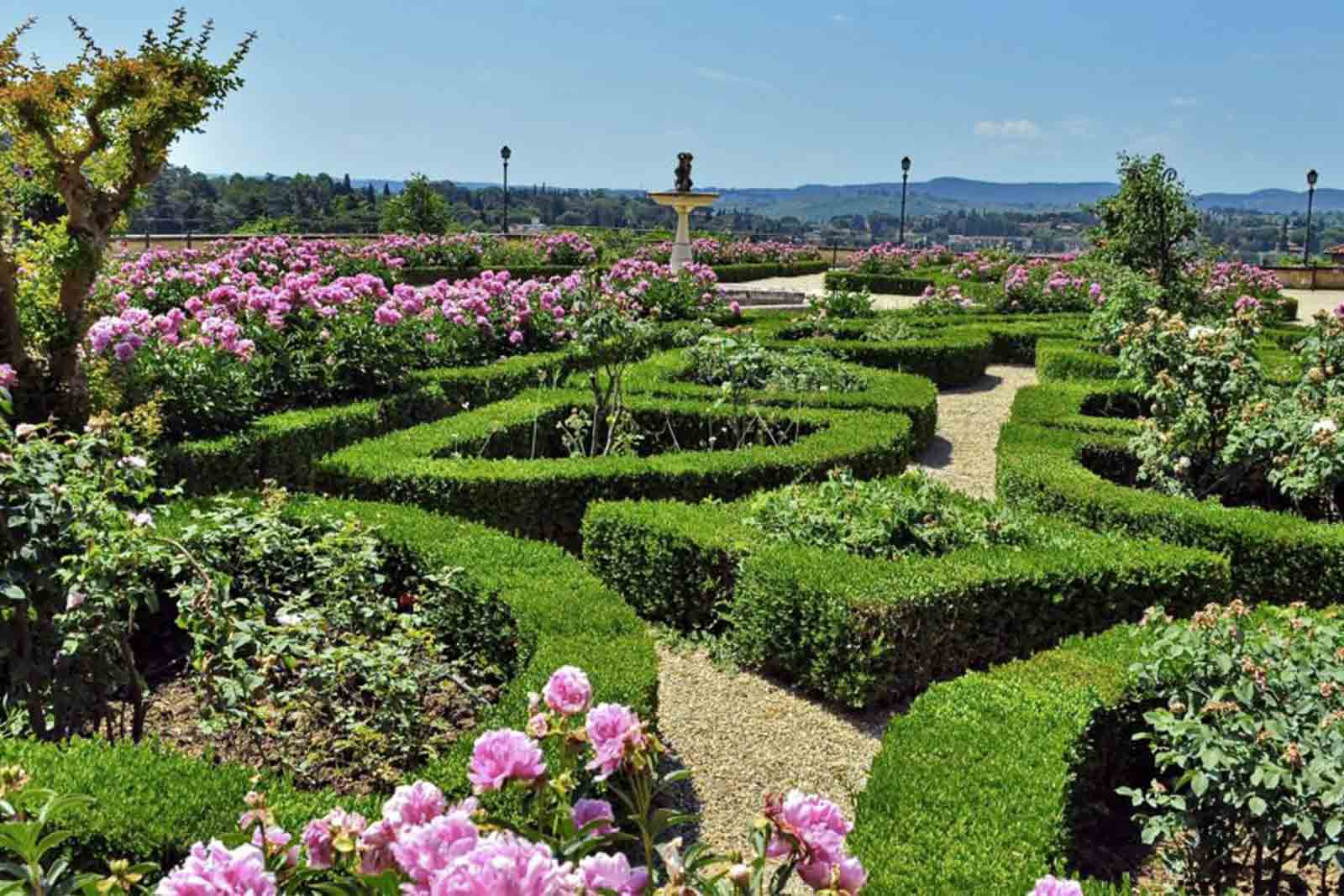 The magical Italian labyrinths and gardens 10-day